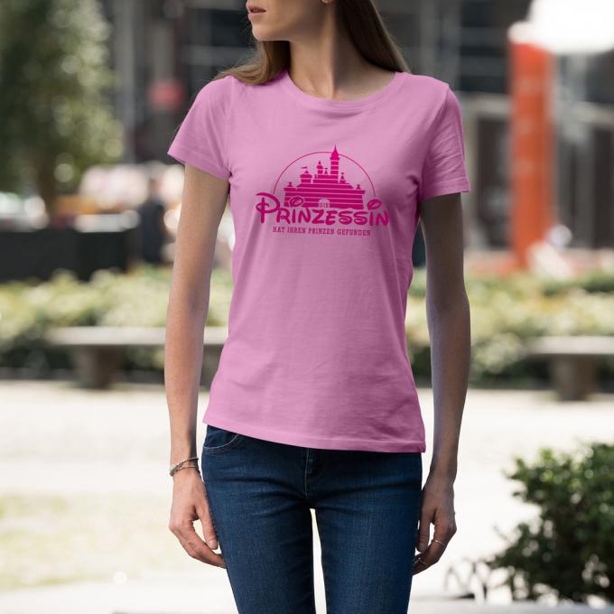 D18_Junggesellinnenabschieds-jga-shirt_die-prinzessin-hat-ihren-prinzen-gefunden_hi