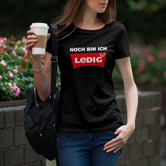 D33_Junggesellinnenabschieds-jga-shirt_noch-bin-ich-ledig_hi